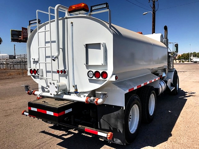 2012 Kenworth T-800 Wide Hood Heavy Spec with New Maverick 4,000 Gallon Water System