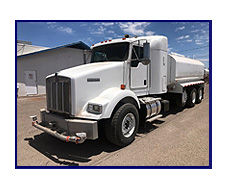 2007 Kenworth Heavy Spec T-800 w/Lift Axle with New Maverick 4250 Gallon Water System